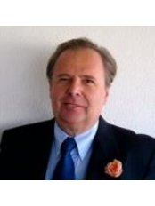 Dr Peter Dana - Doctor at Antiaging Clinica Dr. Dana