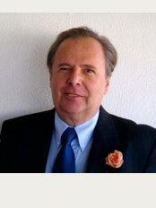 Antiaging Clinica Dr. Dana - Dr.Peter Dana, MD, PhD.