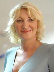 Louise Truelove -  at Aria Medical Group - Madrid  Clínica de la Luz