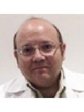 Arevalo - Surgeon at Centro Europeo Médico Estético