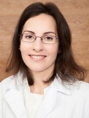 Dr. Silvia Méndez Eirey, Dentist -  at Clínica González & Campos