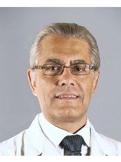 Dr Fernández Blanco - Surgeon at Clínicas Fernández Blanco de Cirugía y Medicina Estética - Madrid