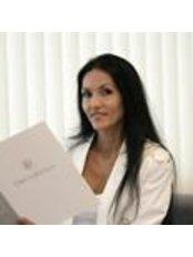 Dr Christine Pradines - Doctor at DI DreamImage - Madrid