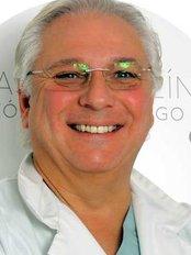 Dr Philipe Valencia - Doctor at Diego De León