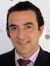 Dr Miguel de la Peña - Doctor at Diego De León
