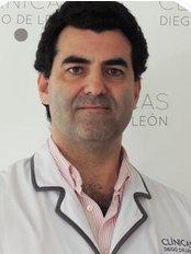 Dr David Menendez - Doctor at Diego De León