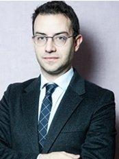 Dr Alessandro Oliverio - Doctor at Doctor Caputo - Clínica La Luz