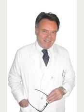 Francisco Abril - Calle Dr. Esquerdo 83, Madrid, 28007,,