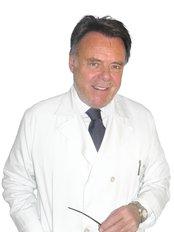 Francisco Abril - Calle Dr. Esquerdo 83, Madrid, 28007,,  0