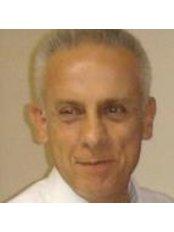 Hilario Robledo González. - Doctor at Centro Medico Laser Clinica Universitoria - Centro Baiona