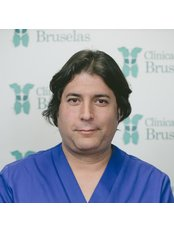 Dr Palacios Leovigild Oyola - Surgeon at Clinica Bruselas - Salamanca