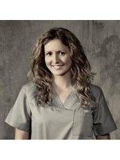 Dr Carmen Navarro Coll - Surgeon at Clinica Alta Estetica