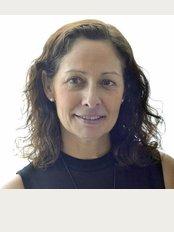 Clínica Isabel Moreno, S.L. - Avda. de les Corts Valencianes, 28, Valencia, 46015,