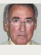 Dr. Antonio Puig Rosado - C / Cirillo Amorós, 69, Valencia, 46005,