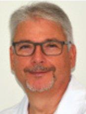 Dr Julio Terrén - Surgeon at Dr. Julio Terrén