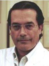 Navarro Viana Clinic - C/ Maestro Gozalbo, 27, Valencia, 46005,  0