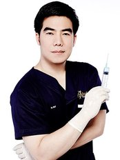 Dr Chatchai flora Pong -  at Absolute Beauty Clinic - Central World