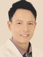 Доктор Chatpong Sastarasadhit -  в CellPort Thailand
