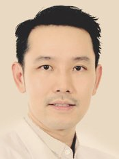 Доктор Vorachai Chuenchompoonut -  в CellPort Thailand