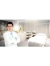 Dr Thanapong Hongpromyati - Doctor at Dermaster Thailand