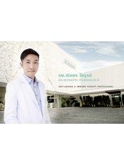 Dr Nichapol  Paiboon -  at Dermaster Thailand