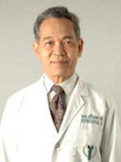 Dr Preeyaphas Nilubol - Surgeon at Global Health Travel