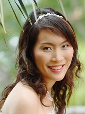 Dr Rassarin Khomgongsuwan - Dermatologist at Le Bangkok Cosmetic Clinic - Prachanivet1