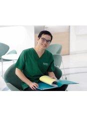 Доктор KANIT  WITTAYAVANICHA - Врач хирург в Maxi Cosmetic Surgery