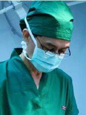 Доктор Pichit Adirojananon - Врач хирург в Metro Cosmetic Surgery