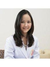 Dr Wareeporn Disphanurat - Dermatologist at PSC Peera Plastic and Skin Clinic