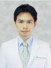 Dr Chookeat  Wachiralarpphithoon - Dentist at Mission Hospital