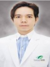 Dr Ponkrit Jantrarasophas -  at Ekachai Hospital