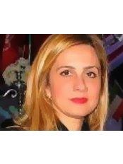 Dr Nedra Gharbi - Surgeon at Esthetik En Tunisie