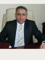 Prof Dr. Serdar Öztürk Plastik Cerrahi - Meşrutiyet Caddesi 36-11 (Çağ Hastanesi Karşısı) Kızılay, Ankara, 06410,