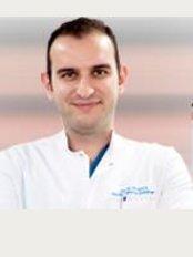 Opr. Dr. Onur Saka - Murat Dede Mah. Karcı Road, Boulevard No. 57, Denizli,