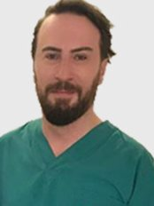 Dr Essiz Cinaroglu - Surgeon at Clinic Center - Istanbul