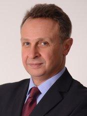 Prof. Dr. Nazim Cerkes - Ascioglu Plaza Hakki Yeten Cd., No: 17/6 Besiktas Fulya, Istanbul, 34365,