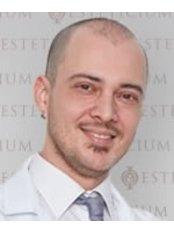 Dr. Ebru Yörük - Chirurgin - CosmetiCity