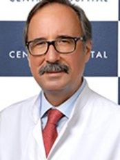 Dr. Ali Kemal ÖZKAN - Arzt - Central Hospital Istanbul