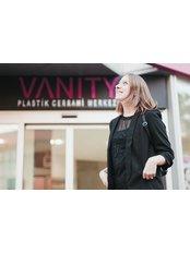 Frau Belma Yılmaz - Leiterin Patientenservice - Vanity Plastische Chirurgie Klinik