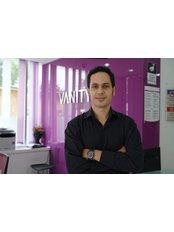 Dr. Vanity Cosmetic Hospital - Chirurg - Vanity Plastische Chirurgie Klinik