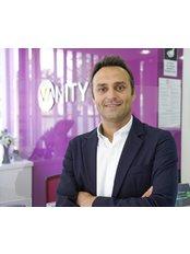 Dr. Safa Manav - Chirurg - Vanity Plastische Chirurgie Klinik