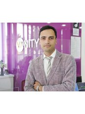 Dr. Ayhan Işık Erdal - Chirurg - Vanity Plastische Chirurgie Klinik