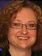 Ms Emma Davies - Nurse Practitioner at Simon Lee Plastic Surgeon Non Surgical