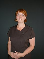 Miss Samantha Brown - Aesthetic Medicine Physician at Simon Lee Plastic Surgeon