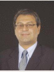 Mr Tariq Ahmad FRCS (PLAST) - Mr Tariq Ahmad
