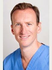 Anthony Barabas - The Fitzwilliam Hospital - Anthony Barabas FRCS(Plast), MRCS(Eng), BM, BSc(hons)