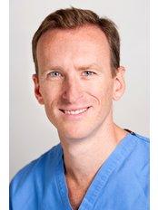 Anthony Barabas - Fenstanton Treatment centre - Anthony Barabas FRCS(Plast), MRCS(Eng), BM, BSc(hons)