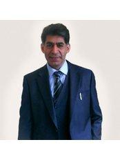 Dr Sheikh Ahmad - Principal Surgeon at Sheikh Ahmad Cosmetic & Aesthetics Surgeon