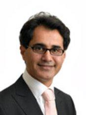 Mr Davood Fallahdar - Principal Surgeon at Botonics - Harley Street